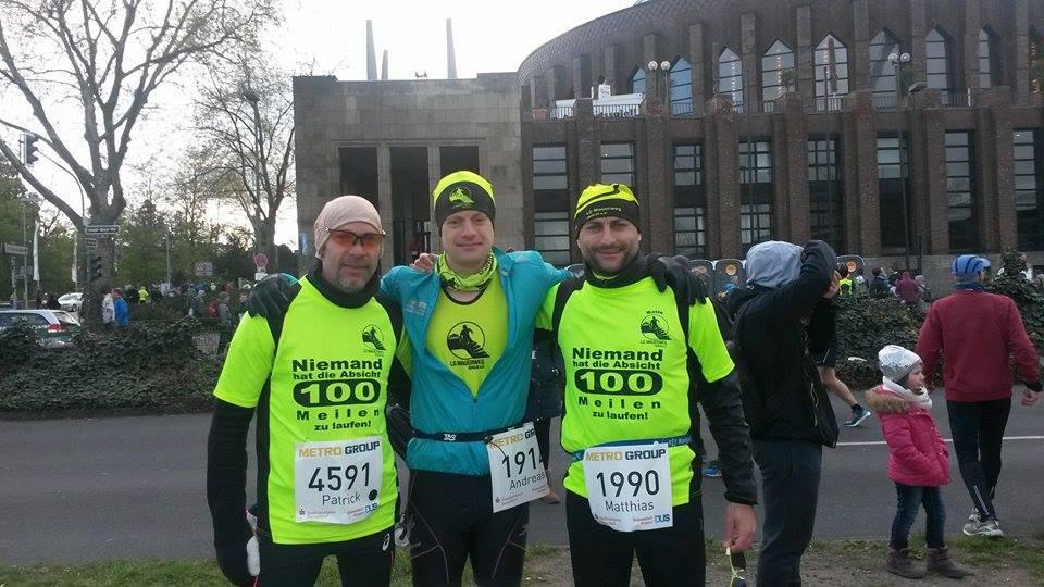 Die LGM-Fraktion beim Düsseldorf-Marathon: Patrick Roß, Andreas Urbaniak und Matze Weiser