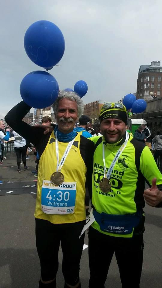 Glücklich im Ziel: Matze und Wolfgang - BuZler für die Zielzeit 4:30 Stunden