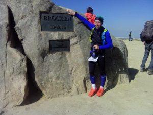 Glücklich auf 1142 Höhenmetern: Autor Kay Thormann im Ziel auf dem Brocken.