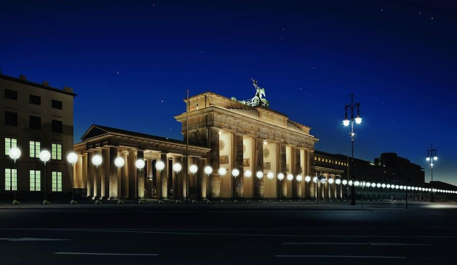 Visualisierung der Lichtgrenze am Brandenburger Tor © Kulturprojekte Berlin_WHITEvoid / Christopher Bauder, Foto: Daniel Büche